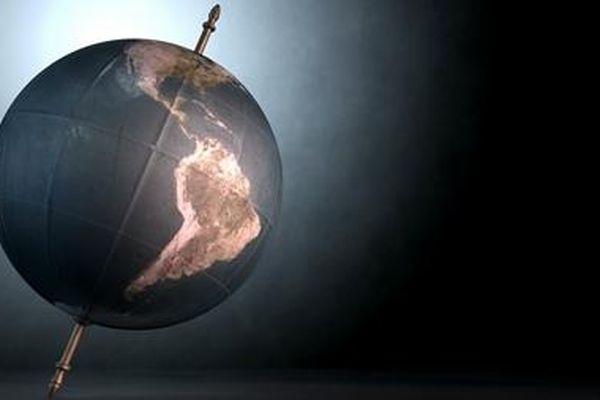 Hai cực Trái đất 'dịch chuyển đáng kể'