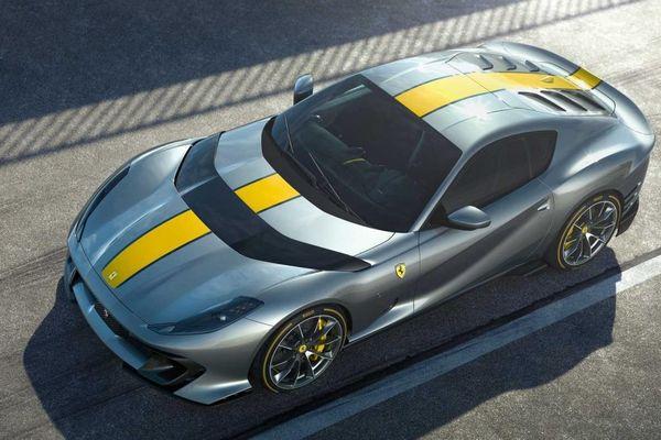 Ferrari chính thức ra mắt siêu xe 812 Competizione