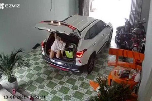 Clip: Vợ chui vào cốp xe trốn chồng