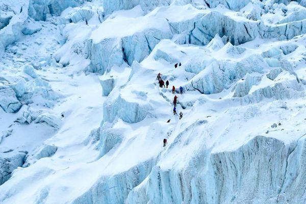 COVID-19 xuất hiện ở đỉnh Everest