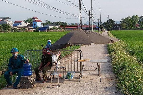 Huyện Chương Mỹ phong tỏa thôn Yên Lạc, xã Đồng Lạc để chống dịch Covid-19