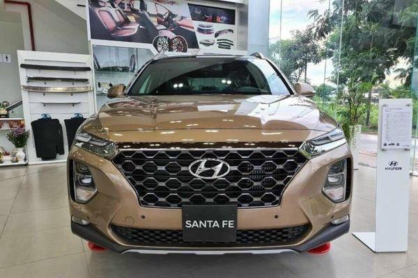 Loạt ô tô ưu đãi sâu: Hyundai SantaFe lên đến 150 triệu đồng