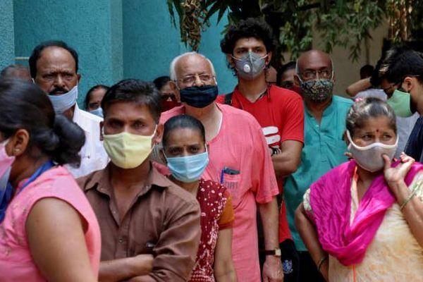 'Bão' Covid-19 tiếp tục càn quét, Ấn Độ lần đầu tiên ghi nhận hơn 4.000 ca tử vong