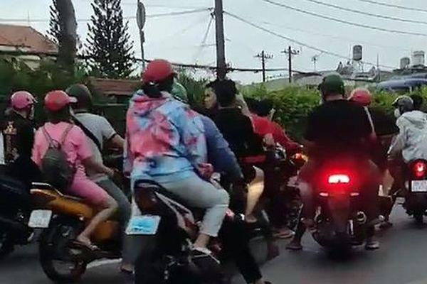 50 'quái xế' chặn ôtô, dọn đường đua xe 'mừng sinh nhật' ở cửa ngõ TP HCM