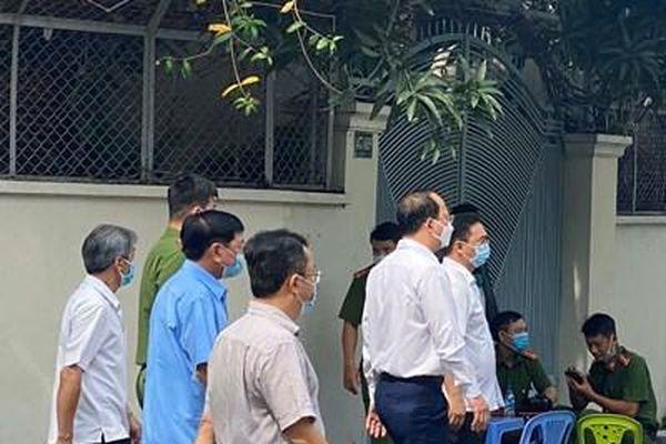 Lãnh đạo TP Hồ Chí Minh thăm hỏi gia đình các nạn nhân vụ cháy xảy ra chiều 7-5