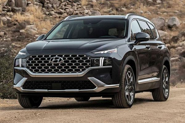 Hyundai SantaFe 2021 và Elantra 2021 mất điểm an toàn từ IIHS