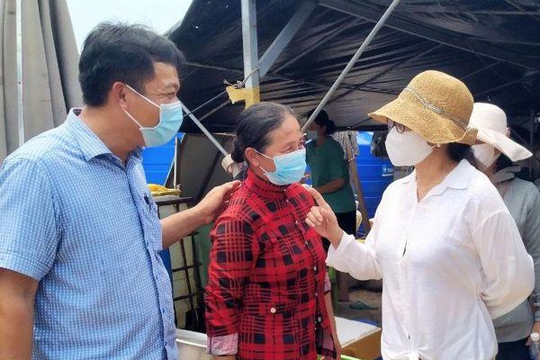 Xử lý nghiêm việc kinh doanh, buôn bán trái phép tại bãi tắm Hồ Tràm (huyện Xuyên Mộc)