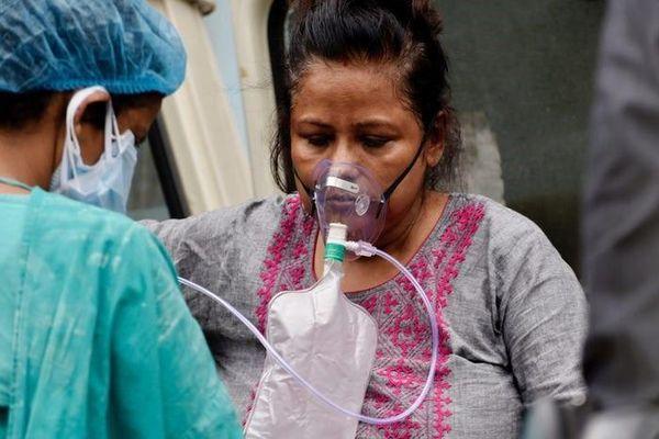 Số người chết vì Covid-19 theo ngày tại Ấn Độ lại vượt mốc 4.000