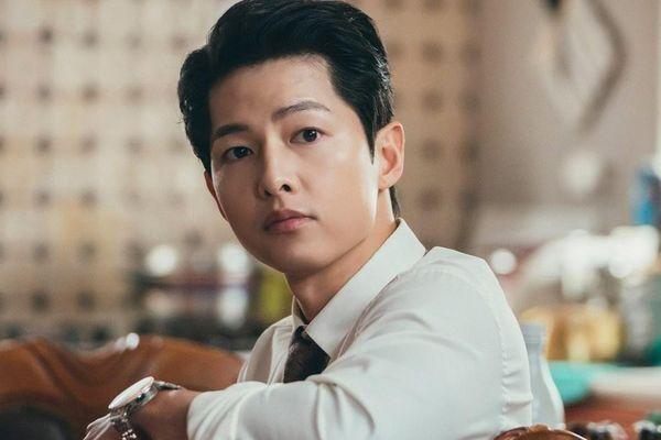 Lý do Song Joong Ki bật khóc ở hậu trường phim