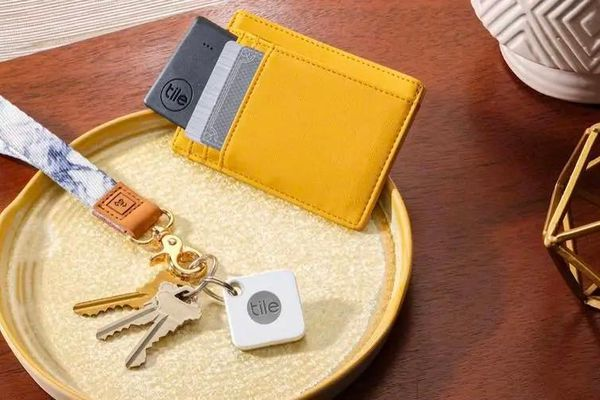 Amazon ra mắt Sidewalk, hợp tác Tile và CareBand để cạnh tranh trực tiếp với AirTag của Apple