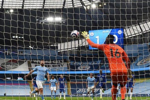 Aguero hối hận vì đá 11m kiểu panenka khiến Man City lỡ vô địch sớm