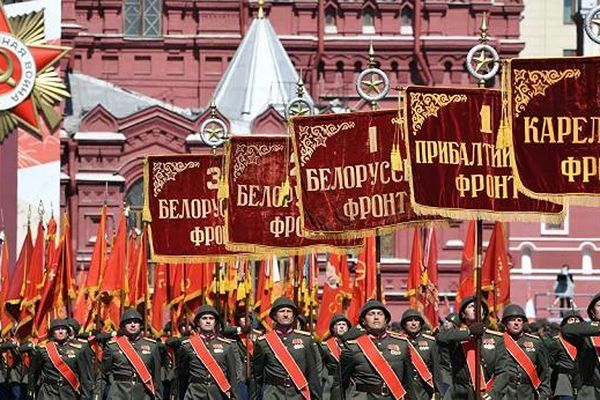 Nga thể hiện sức mạnh trong lễ duyệt binh mừng Ngày Chiến thắng