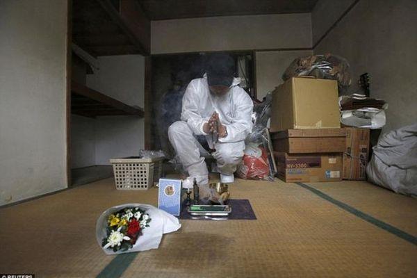 Dọn dẹp cho người quá cố - nghề 'ăn theo' hiện tượng 'chết cô đơn'