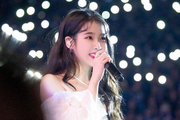 Vượt mặt Black Pink và Yoona (SNSD), IU là nữ nghệ sĩ Hàn quyền lực nhất xứ Trung suốt 27 tháng