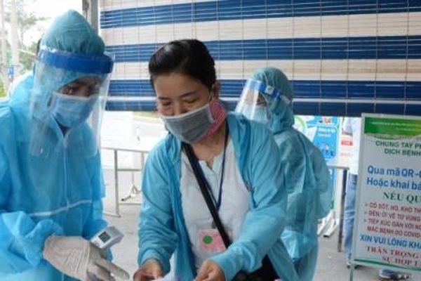 Sáng 9/5 Việt Nam ghi nhận 15 ca mắc COVID-19 trong nước