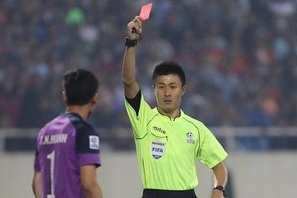 Cầu thủ Việt Nam phải từ bỏ 'thói quen xấu' ở sân chơi quốc tế