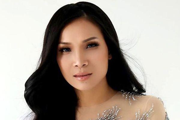 Ca sĩ Hồng Ngọc tái xuất xinh đẹp sau 1 năm bị bỏng do nổ nồi xông hơi
