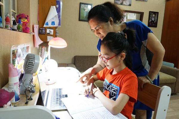 Dạy học trực tuyến cho học sinh tiểu học: Tinh giản nội dung, linh hoạt thời gian