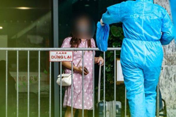 Hà Nội: Cách ly y tế tầng 20 tòa nhà The Legacy, 10 F1 liên quan tới bệnh nhân đang mang thai