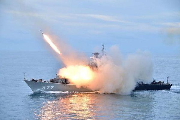 Trung Quốc diễn tập quân sự trên biển với Indonesia