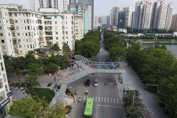 Ấn tượng cầu bộ hành chữ Y đầu tiên ở Hà Nội