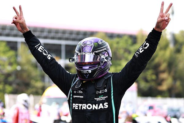 Mercedes chứng tỏ sức mạnh tại GP Tây Ban Nha