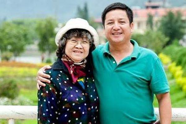 Dòng trạng thái nghẹn ngào về mẹ của nghệ sĩ Chí Trung