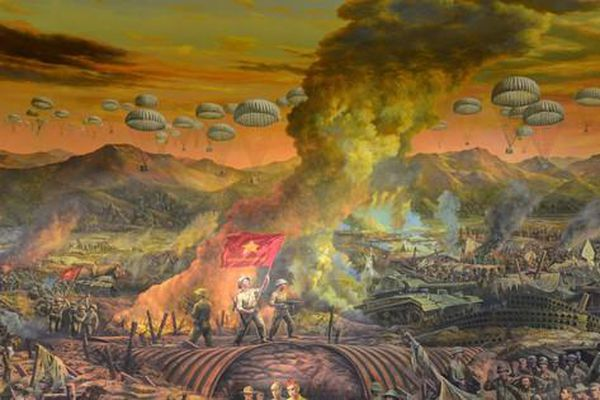 Cận cảnh bức tranh tường kỳ tích panorama Điện Biên Phủ