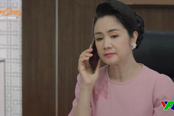 'Hướng dương ngược nắng' tập 64: Bạch Cúc hoảng hốt khi thấy ông Quân và Diễm Loan ở bên nhau, Minh và Mẹ Cami gặp nhau
