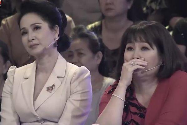 NSND Lan Hương, Hồng Vân rơi nước mắt trước tiếng hát NSND Thái Bảo