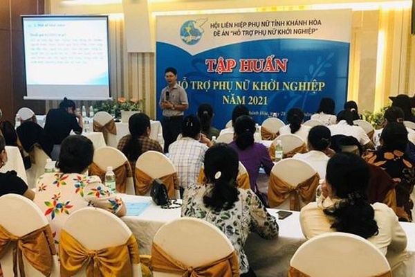 Hội LHPN tỉnh Khánh Hòa tổ chức lớp tập huấn hỗ trợ phụ nữ khởi nghiệp