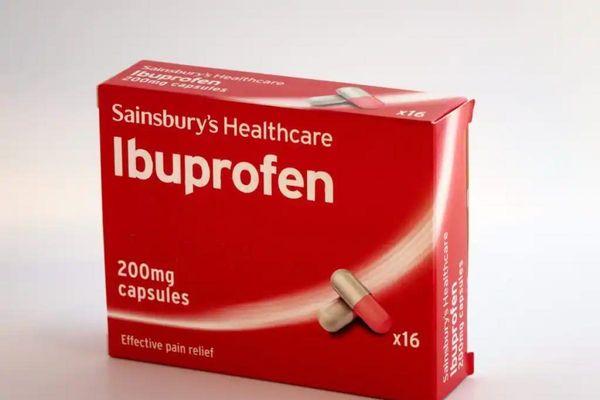 Ibuprofen an toàn cho bệnh nhân COVID-19, không làm tăng nguy cơ tử vong