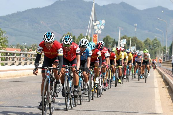Hành trình ấn tượng của giải đua xe đạp Cúp Truyền hình TP.HCM 2021