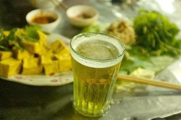 Hà Nội dừng hoạt động quán bia hơi, giải tỏa chợ cóc