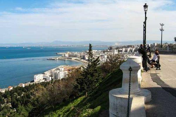 Algiers - Hòn ngọc xanh bên bờ nam Địa Trung Hải