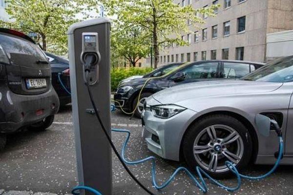 Tới năm 2027, chi phí sản xuất xe ô tô điện sẽ rẻ hơn xe chạy bằng xăng