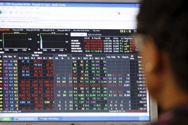 Kết quả chứng khoán ngày 11/5/2021: Áp lực bán tháo cuối phiên, Vn-Index lao xuống dưới tham chiếu
