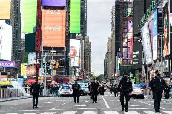 Xả súng tại Quảng trường Thời đại: 2 phụ nữ và 1 bé gái 4 tuổi bị thương