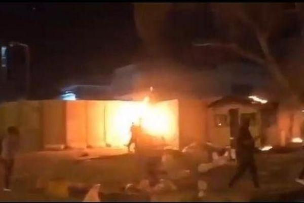 Người biểu tình Iraq đốt cháy lãnh sự quán Iran