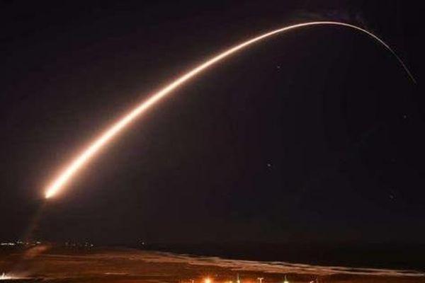 Nga dùng 'đồ chơi chết chóc' ICBM Sarmat để đáp trả Minuteman III của Mỹ