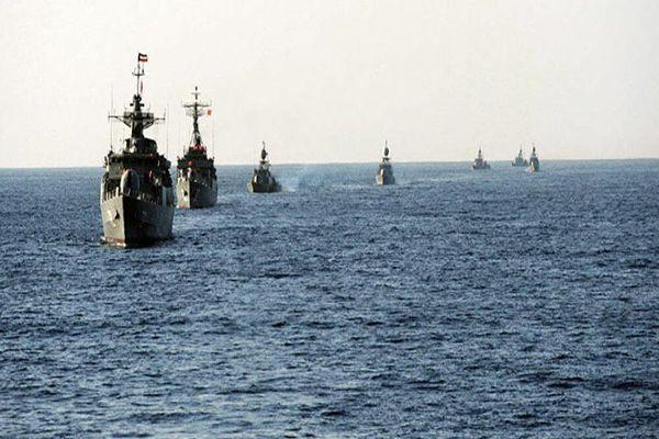 Mỹ bắn 30 phát súng cảnh báo cảnh báo khi bị tàu Iran quấy rối