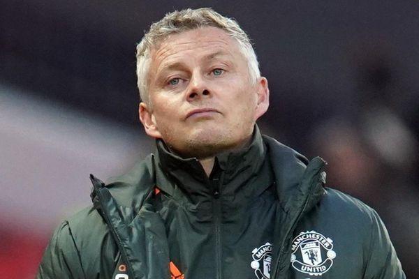 'Cần có hình phạt cho Man Utd'
