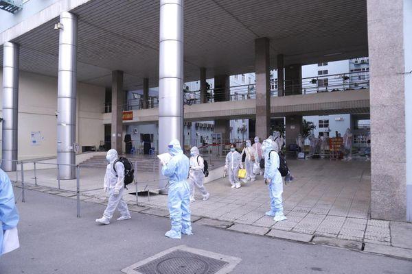 Bệnh viện K di chuyển 500 người bệnh, người nhà đến khu cách ly tập trung