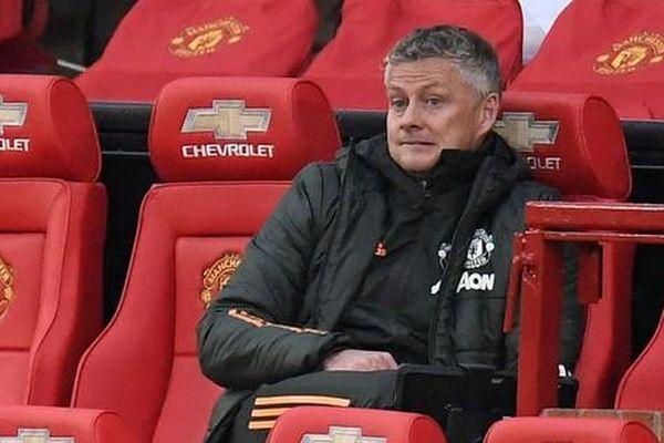 HLV M.U than thở sau trận thua Leicester
