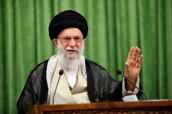 Twitter gây phẫn nộ vì không cấm lời kích động bạo lực của lãnh đạo Iran Ayatollah Khamenei