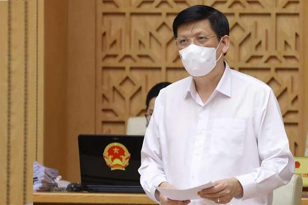 Bộ trưởng Bộ Y tế động viên nhân viên y tế ra sức cùng cả nước phòng, chống dịch Covid-19