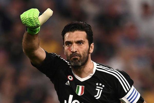 Thủ thành Gianluigi Buffon xác nhận chia tay Juventus vào cuối mùa 2020/21