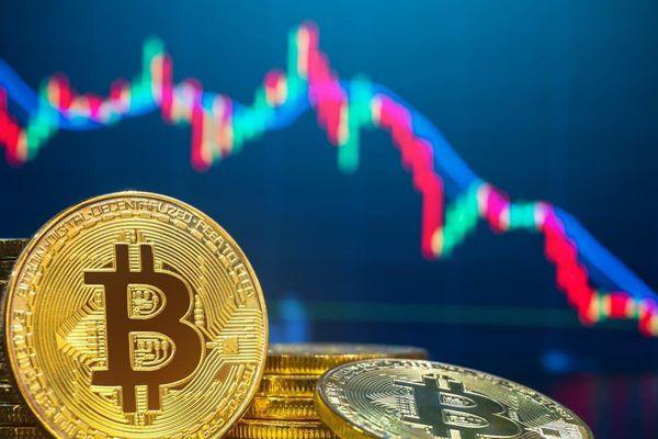 Giá Bitcoin hôm nay 12/5: Bitcoin mắc kẹt, liệu có sụp đổ?