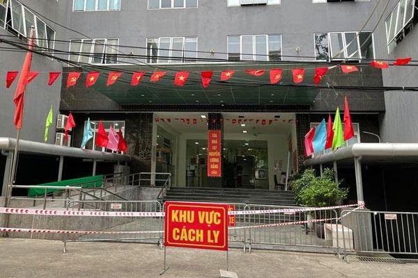Phong tỏa chung cư 187 phố Nguyễn Lương Bằng, quận Đống Đa