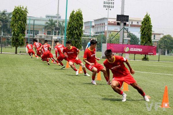 Các cầu thủ đội tuyển U22 Việt Nam được kiểm tra thể lực